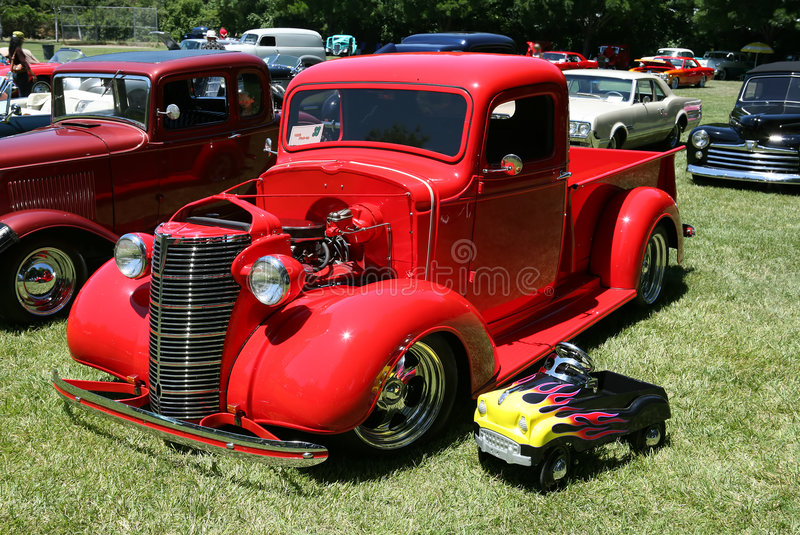 Download Classic Truck Royalty Free Stock Photography - Image: 934557