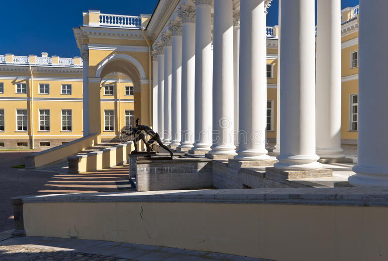 Download Classical Building With White Columns Stock Image - Image: 25255073