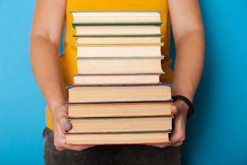 Classiques collection, pile de livre, pile Concept d'?ducation d'?tag?re photos stock