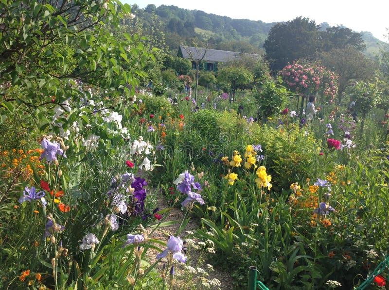 Claude Monets-tuin stock afbeeldingen