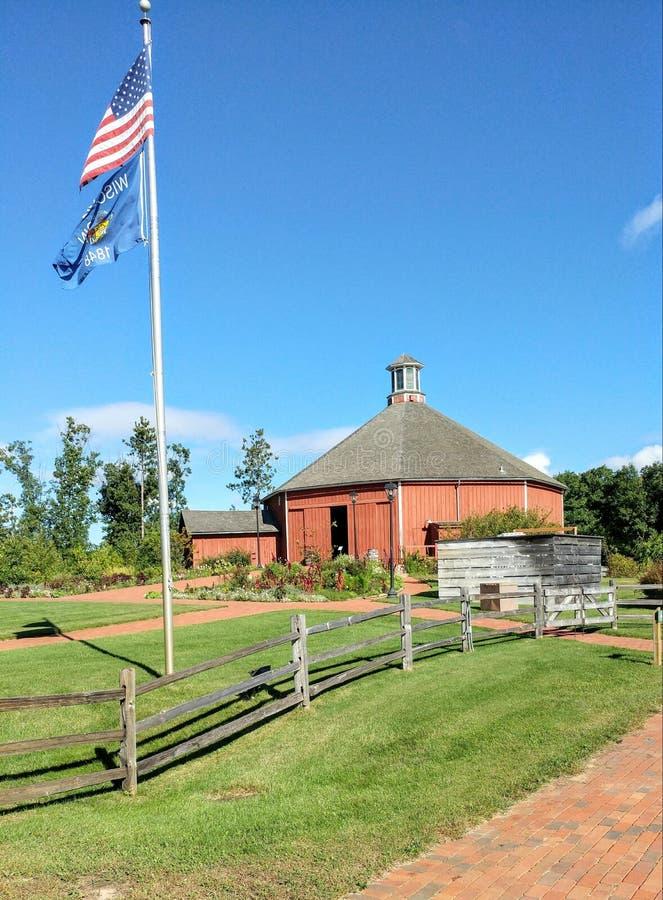 Clausing ladugårdrestaurang - gammal värld Wisconsin royaltyfri foto