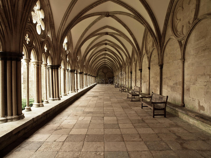 Claustro arqueado catedral de Salisbúria fotos de stock royalty free