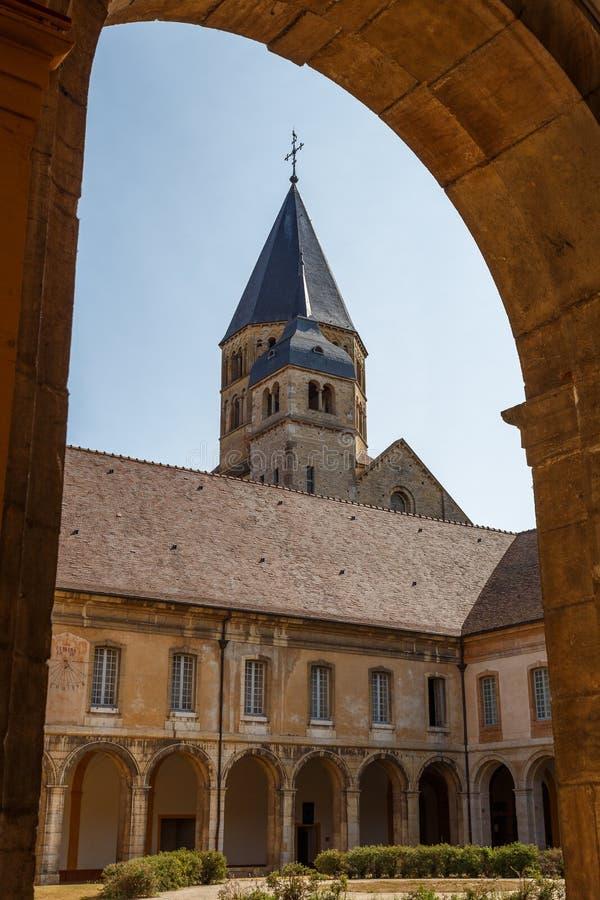 Claustro da abadia de Cluny, França foto de stock royalty free
