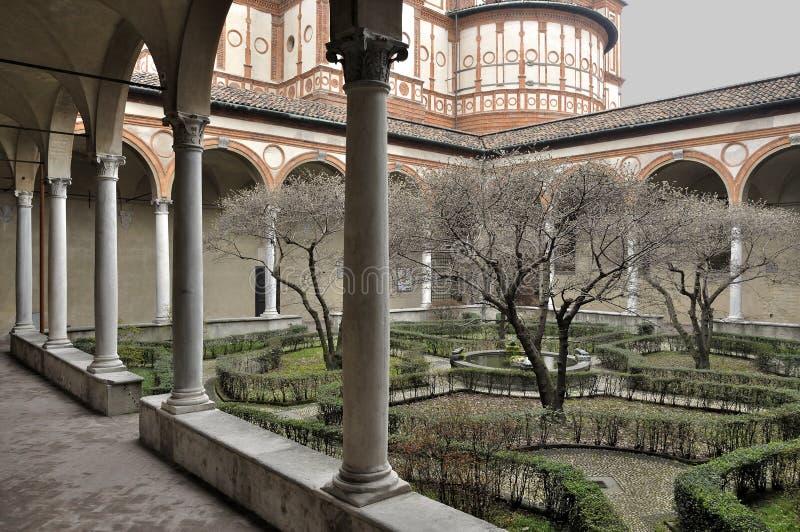 Claustro del grazie del delle de Santa María, Milano imagen de archivo