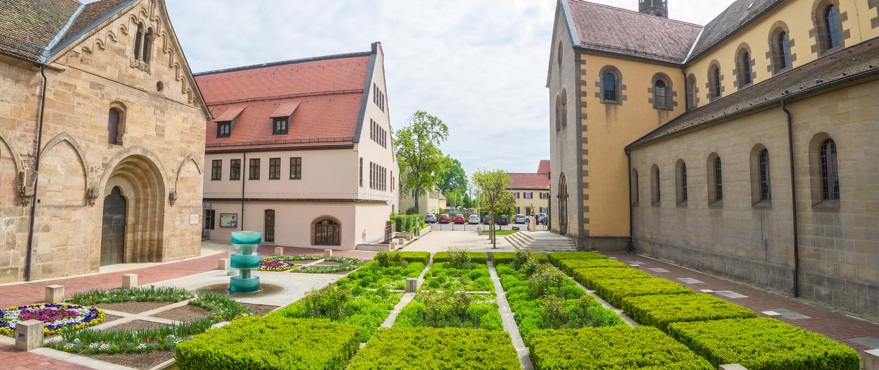Claustro Heilsbronn, Alemanha fotografia de stock royalty free