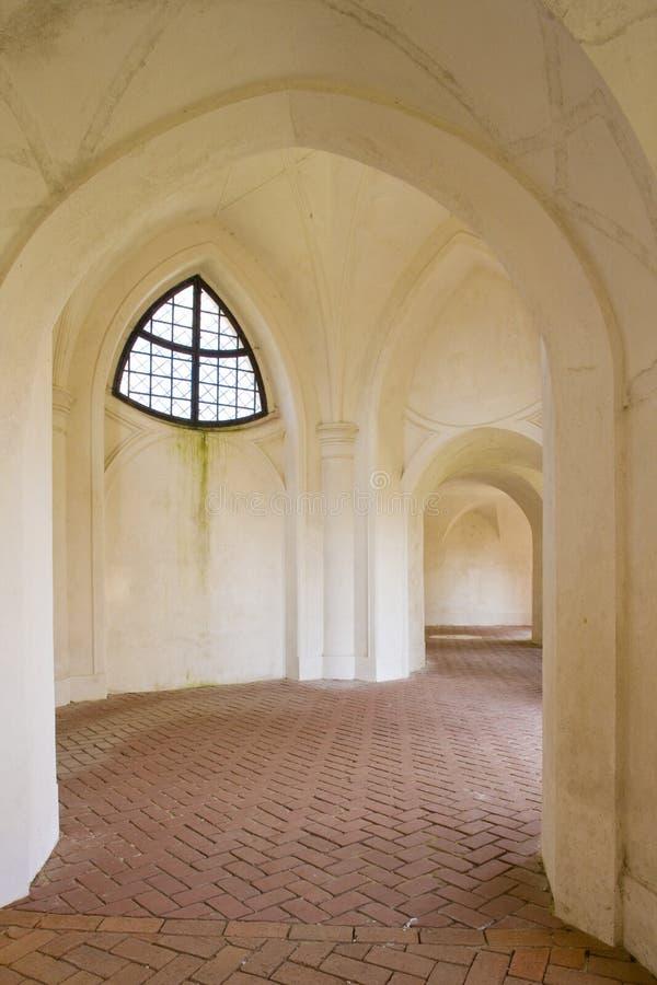 claustros, Zelena Hora perto de Zdar nad Sazavou, República Checa foto de stock