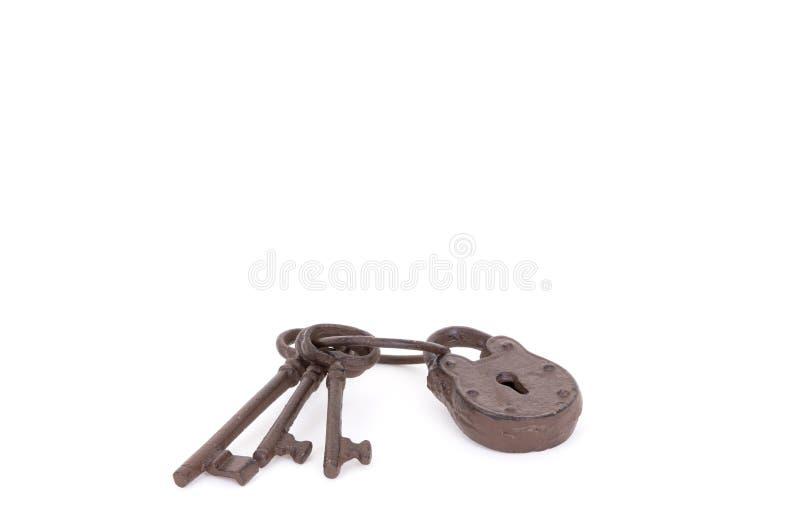 Claves antiguos en un anillo imágenes de archivo libres de regalías