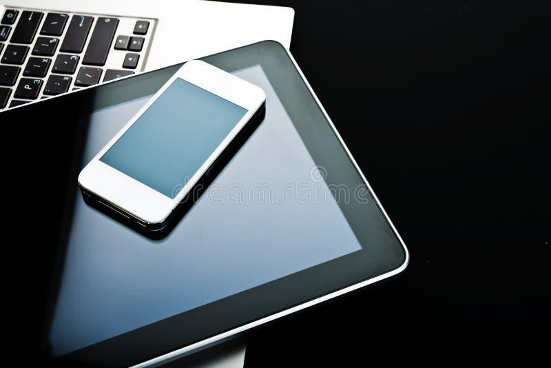 Clavier avec le PC de téléphone et de comprimé image libre de droits
