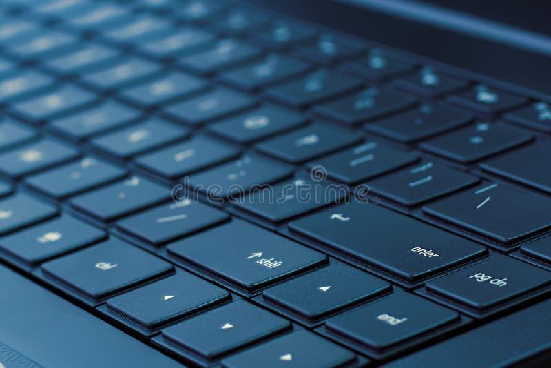 Clavier d'ordinateur portatif (son bleu) photo libre de droits