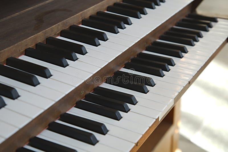 Clavier d'organe d'église images stock