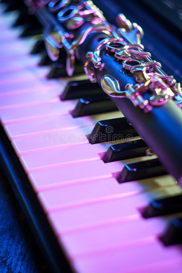 Clavier de piano de clarinette de repr?sentation photo stock