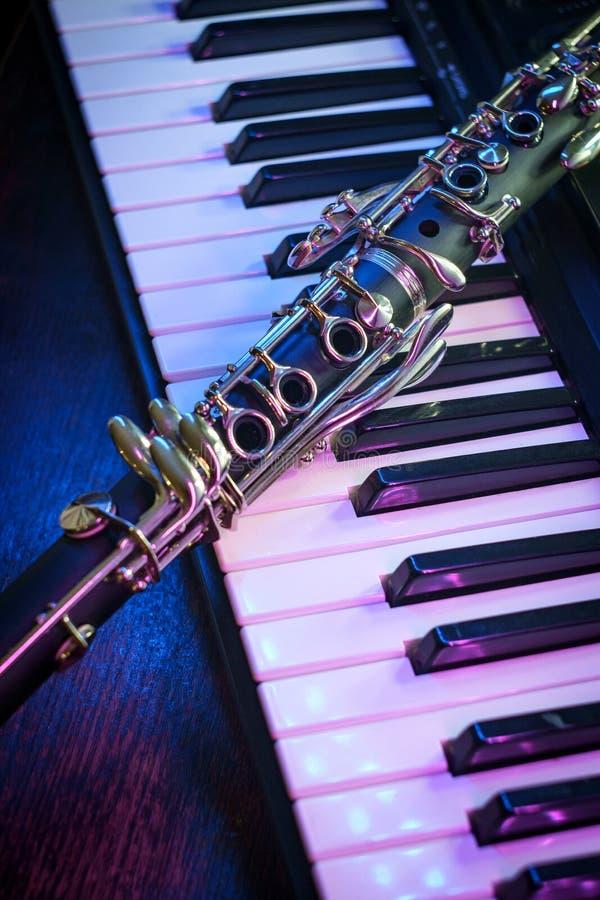 Clavier de piano de clarinette de repr?sentation image stock