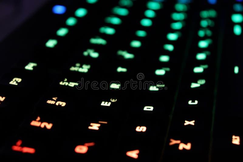 Clavier lumineux par jeu avec des clés rétro-éclairées image libre de droits