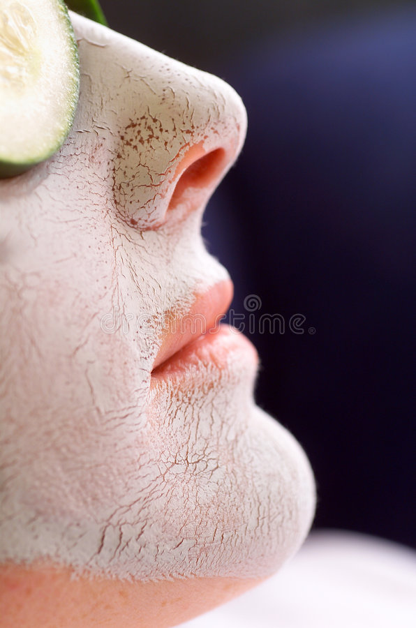 Free Clay Face Mask Stock Images - 589284