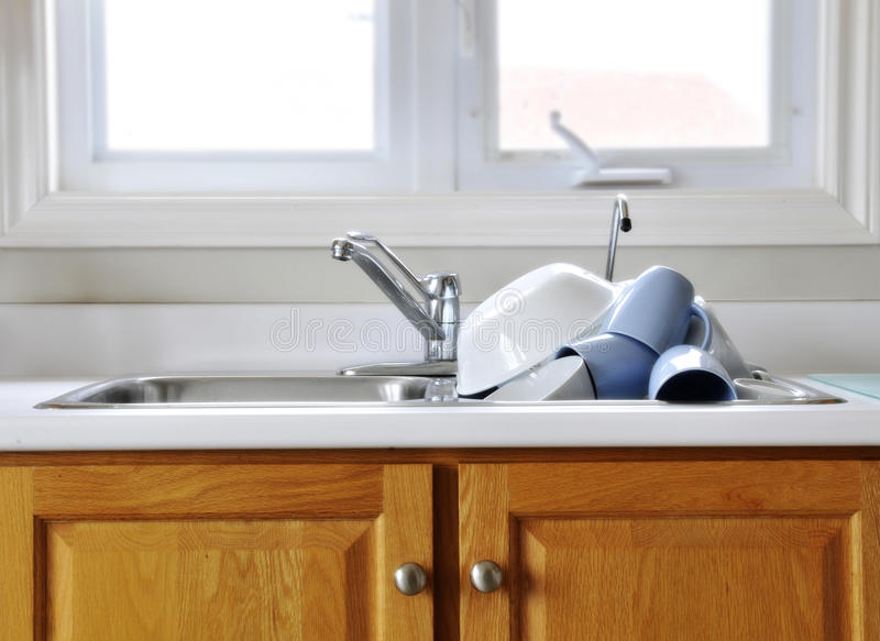 Download Clean Dishes On Kitchen Sink Stock Image - Image: 14834439