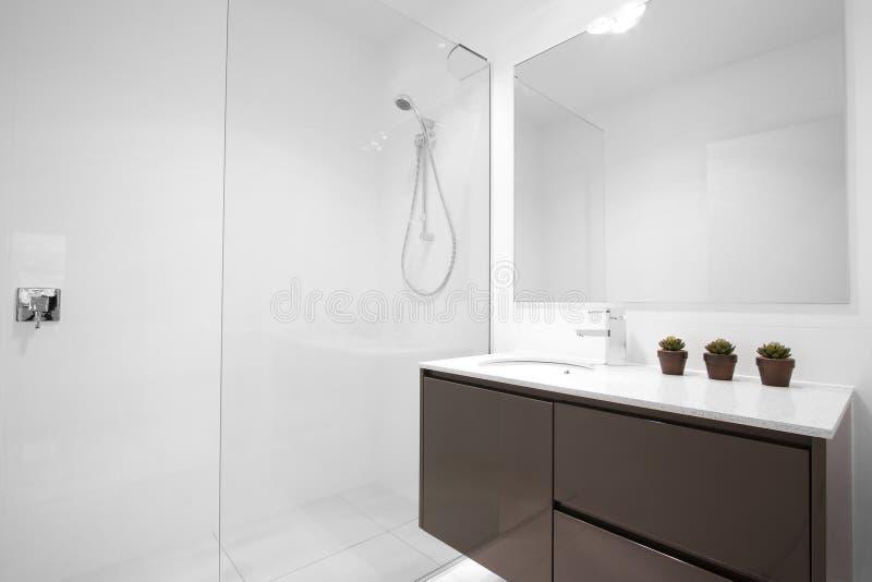Clean Modern Bathroom royalty free stock photography