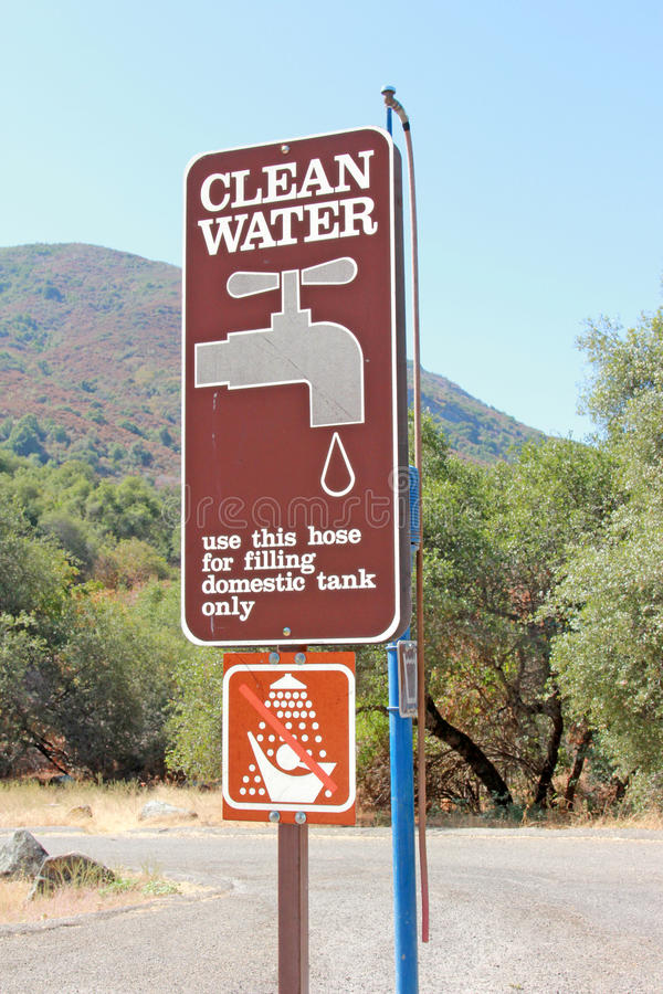 Free Clean Water Sign Royalty Free Stock Photos - 15615218
