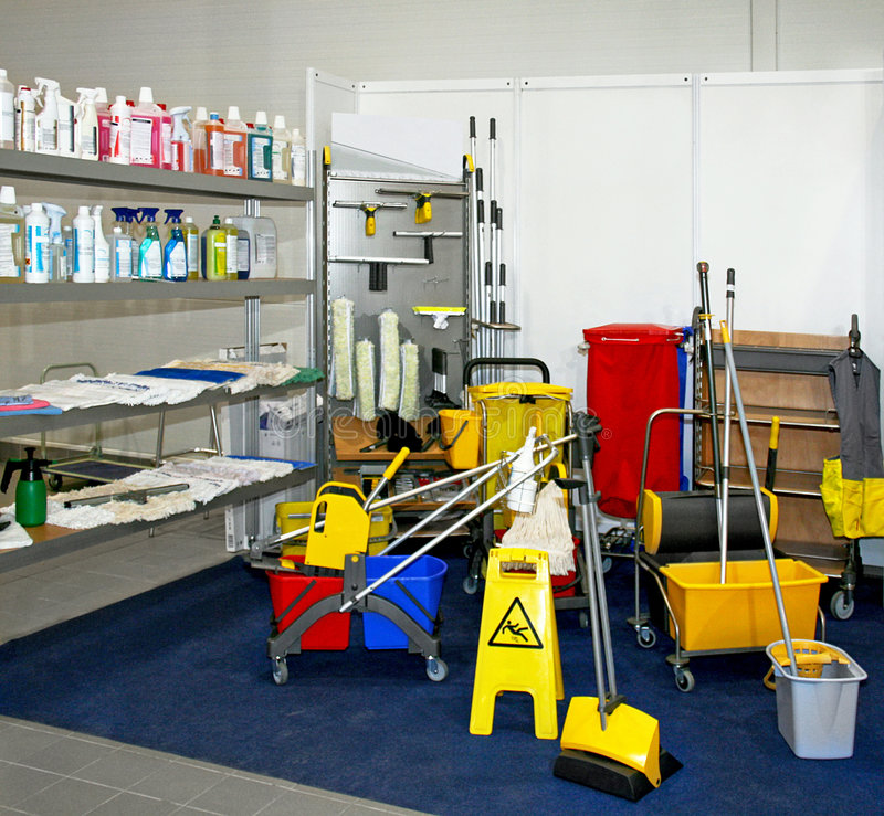 Free Cleaning Equipment Royalty Free Stock Images - 3435109