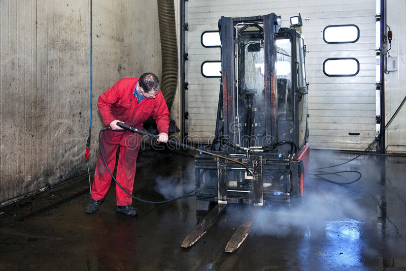 cleaning forklift zdjęcie stock