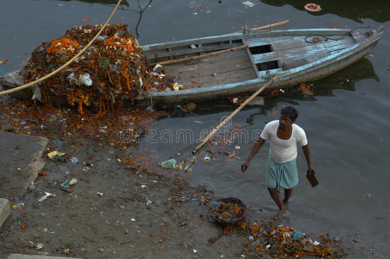 Download Cleaning The Ganges editorial stock image. Image of hindu - 23126304