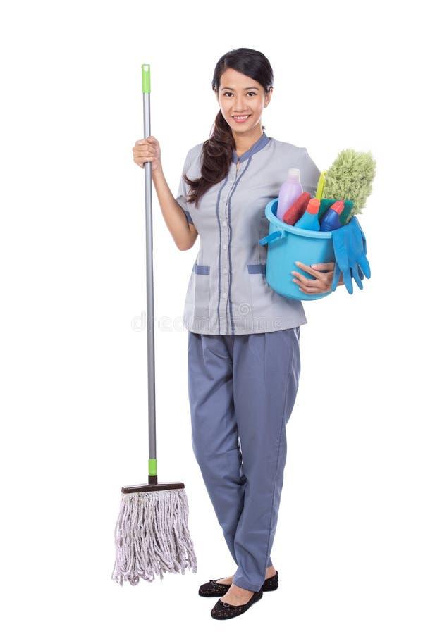 Cleaning gosposi kobieta ono uśmiecha się kamera obraz royalty free