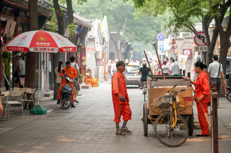 Download Cleaning The Hutongs Of Beijing Editorial Stock Image - Image: 34649684