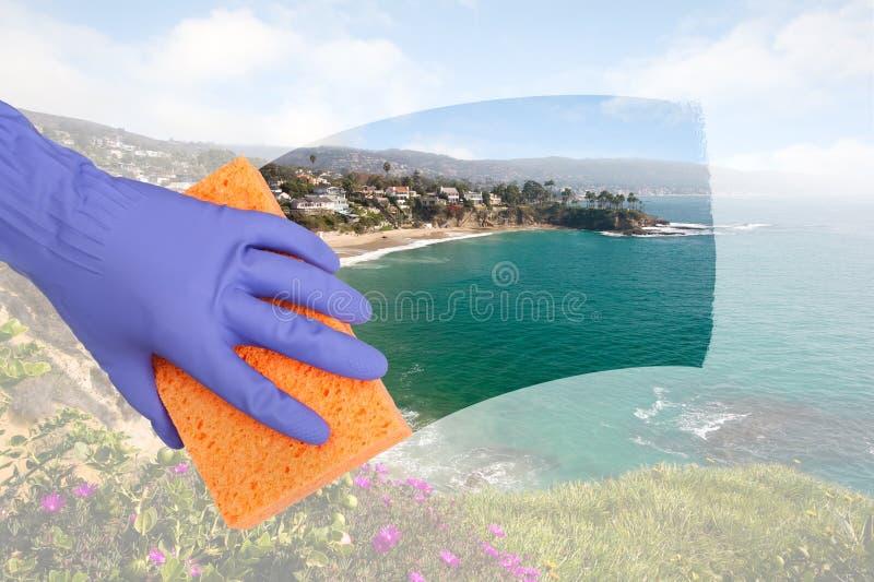Cleaning okno fotografia stock