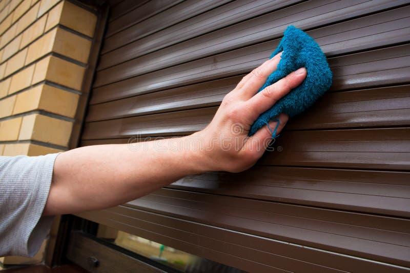 cleaningrullslutare arkivfoto