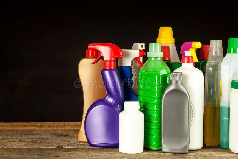Cleansers домочадца детержентно Продажа химических продуктов Очищать в доме стоковая фотография
