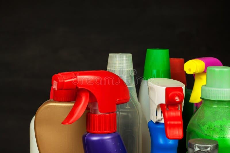 Cleansers домочадца детержентно Продажа химических продуктов Очищать в доме стоковые фото