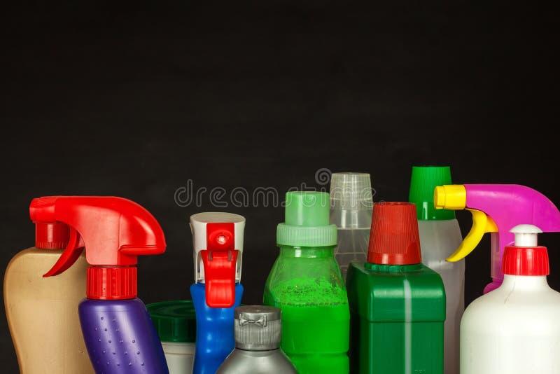 Cleansers домочадца детержентно Продажа химических продуктов Очищать в доме стоковая фотография rf