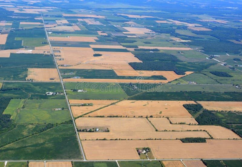 Download Clearview Онтарио, воздушное Стоковое Изображение - изображение насчитывающей ares, поле: 81805901