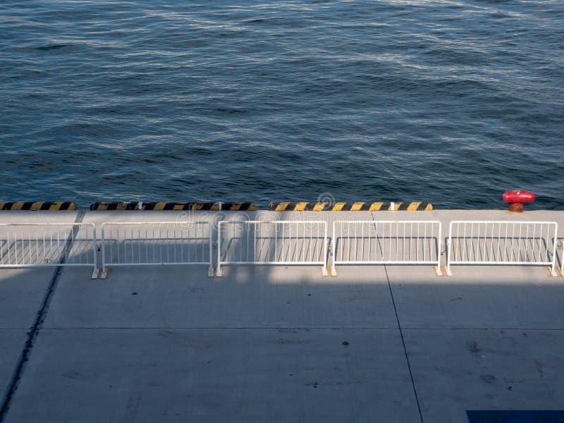 Cleat op de pijler in de haven Japan van Osaka royalty-vrije stock fotografie