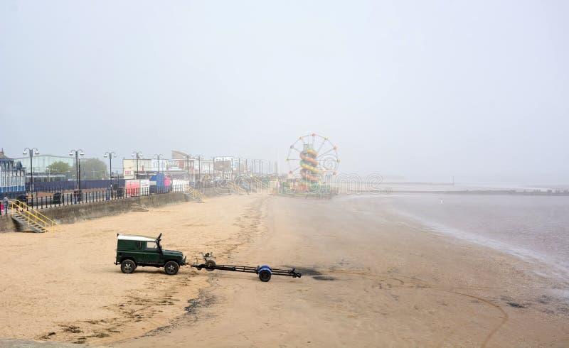 Cleethorpes plaża na mglistym ranku Lincolnshire UK obraz stock