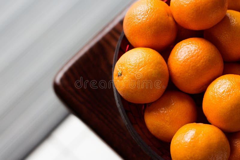 Clementines i en bunke royaltyfri bild