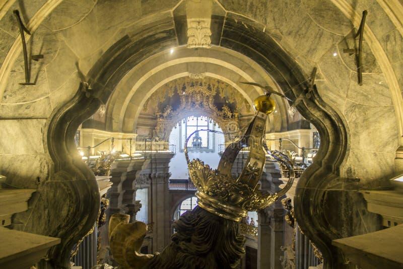 Clerigos góruje wewnętrznego szczegół (Torre dos Clerigos) obrazy royalty free
