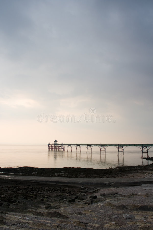Free Clevedon Pier And Foreshore Royalty Free Stock Photography - 977707
