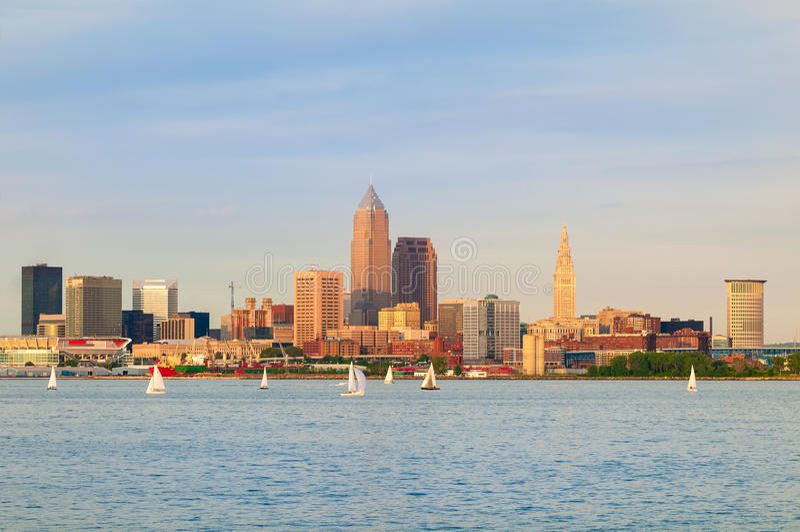 Cleveland en el agua imagen de archivo libre de regalías