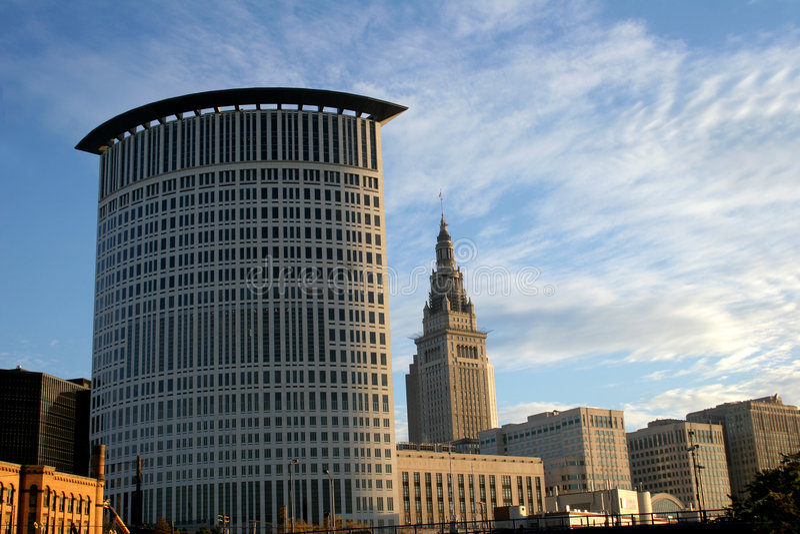cleveland i stadens centrum ohio horisont arkivbild