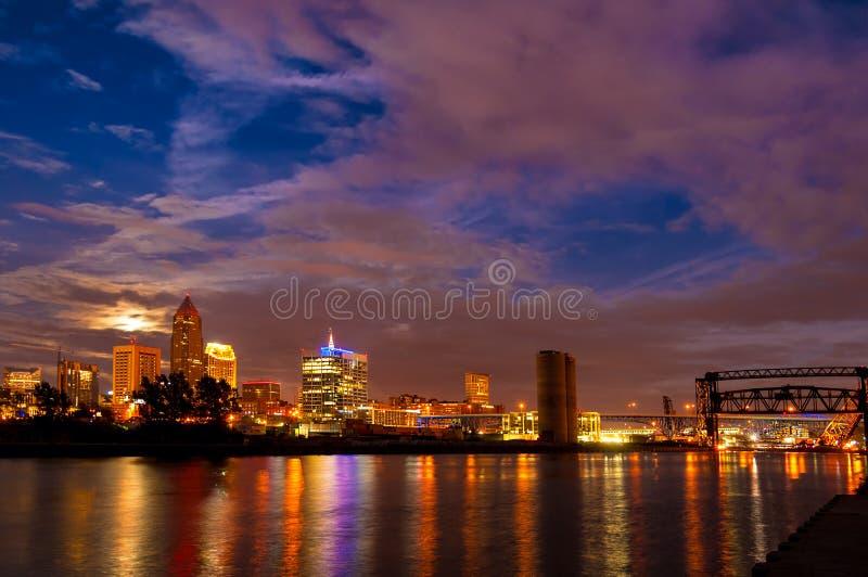 Cleveland moonrise royaltyfria bilder