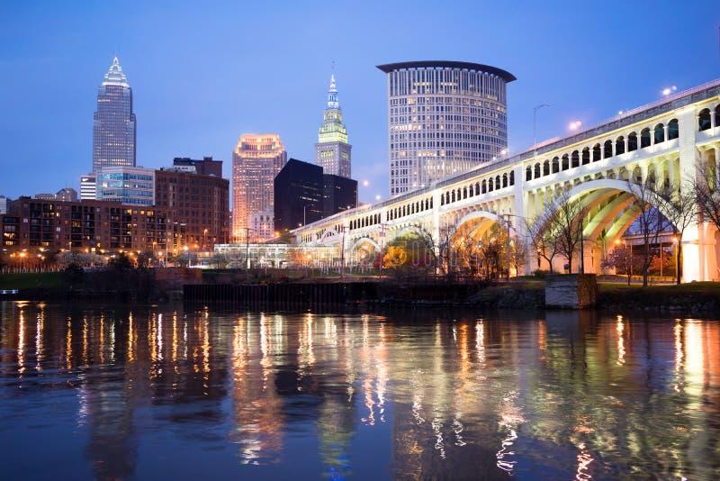 Cleveland Ohio Downtown City Skyline Cuyahoga flod arkivfoto