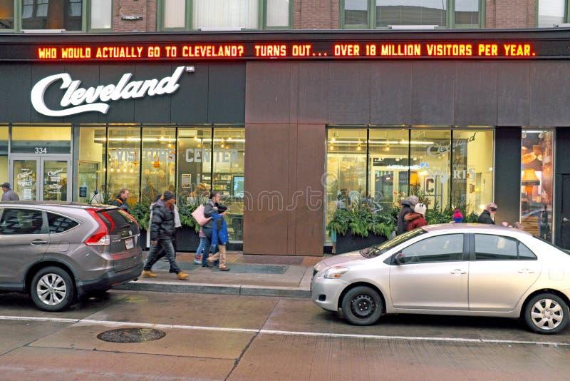 Cleveland Ohio Visitors Center sul viale di Euclide a Cleveland del centro che annuncia oltre 18 milione ospiti all'anno fotografia stock libera da diritti