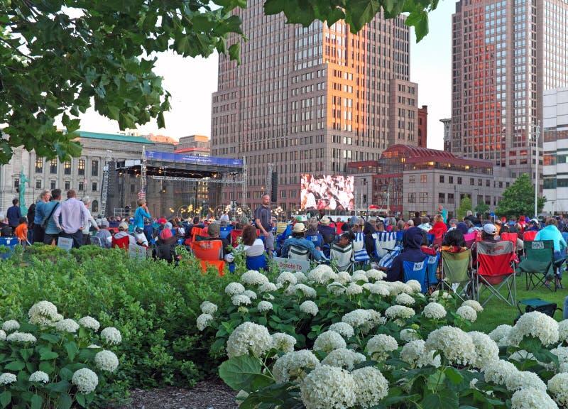 Cleveland Orchestra Star-Spangled Spectacular på galleria B i i stadens centrum Cleveland, Ohio, USA arkivfoton