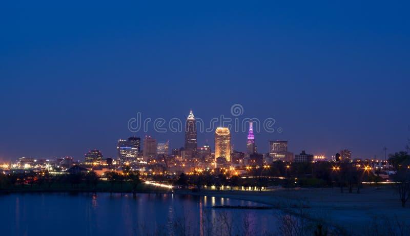 Cleveland Skyline au crépuscule photographie stock
