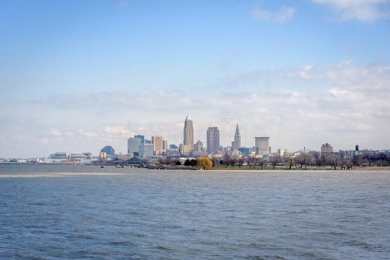 Cleveland Skyline do Lago Erie imagem de stock