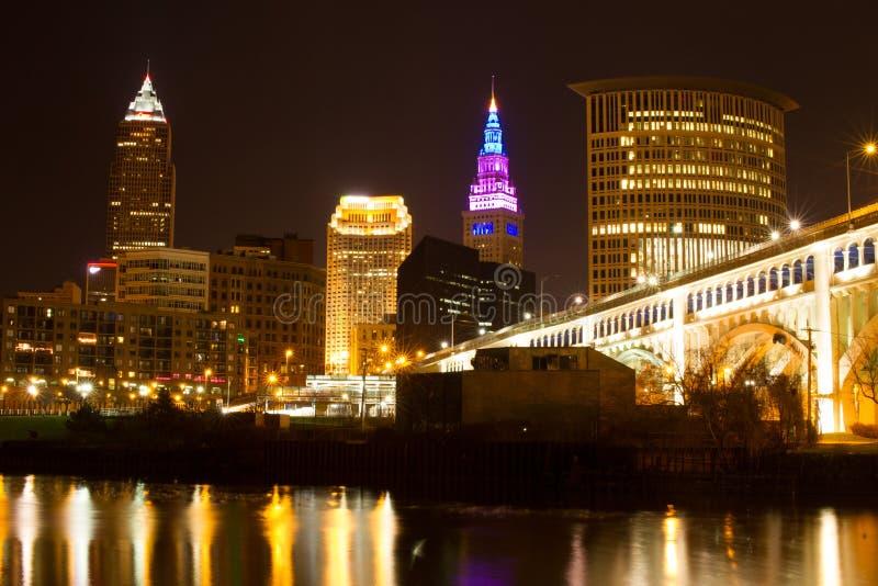 Cleveland Skyline y puente de Detroit imagen de archivo libre de regalías