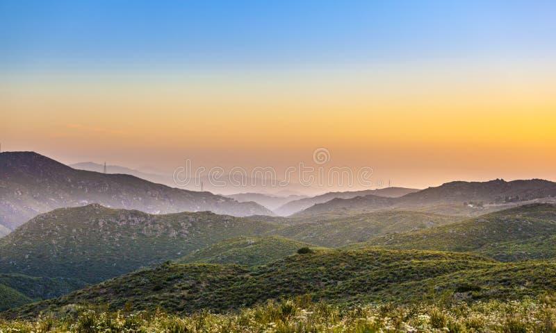 Cleveland-staatlicher Wald im Sonnenuntergang, Kalifornien lizenzfreie stockbilder