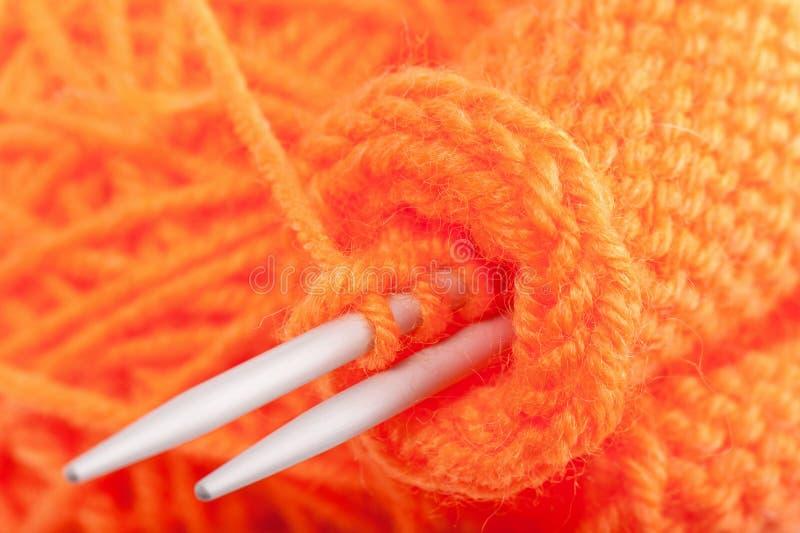 Clew di colore per lavorare a maglia fotografia stock