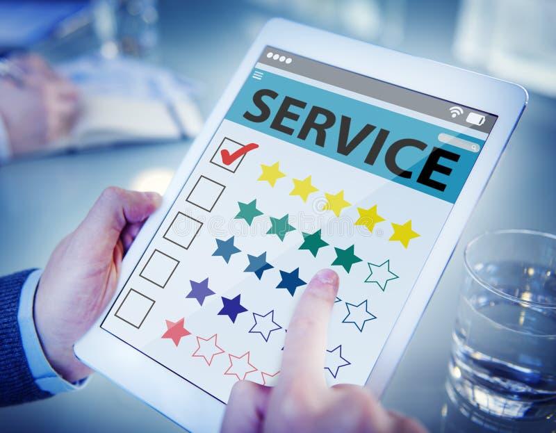Cliente che allinea una qualità di servizio online immagini stock libere da diritti
