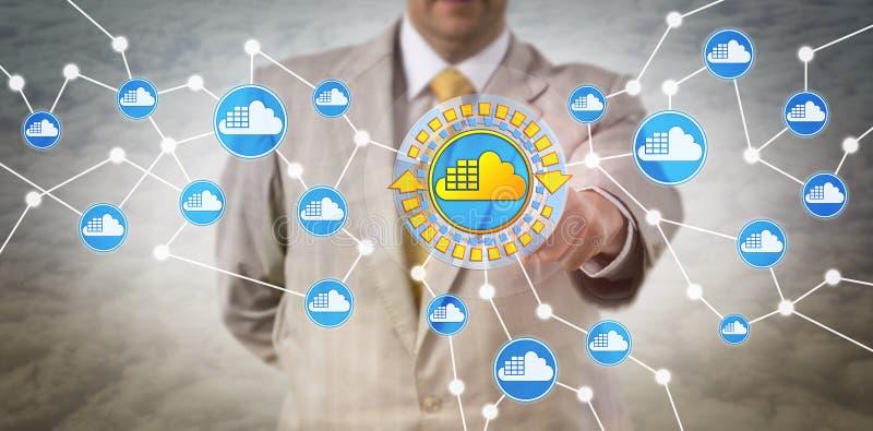 Cliente de las TIC que adopta arquitectura del envase de la nube imagenes de archivo